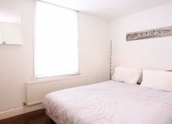 Room to rent in Mortimer Road, London, (House Share) N1