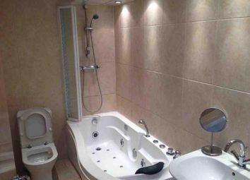 3 bed flat to rent in Adelaide Avenue, London SE4