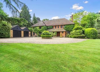 Thumbnail 6 bed property to rent in Brooks Close, Weybridge