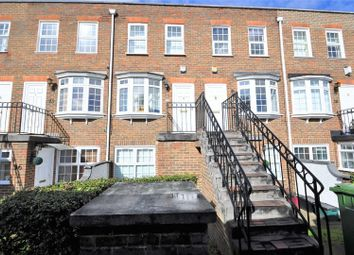 2 bed maisonette to rent in Regency Way, Bexleyheath DA6