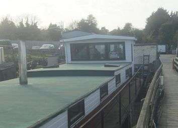 2 bed houseboat for sale in Knight Rd, Strood, Kent ME2