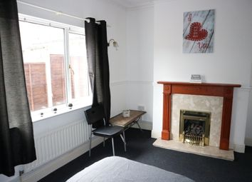 Thumbnail Room to rent in Henwood Road, Compton