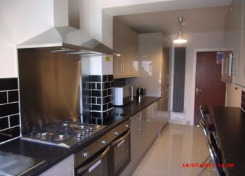 Thumbnail 5 bed property to rent in Stockwood Crescent, Town Centre, Luton, Bedfordshire