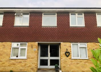 2 bed maisonette for sale in Watersplash Road, Shepperton TW17