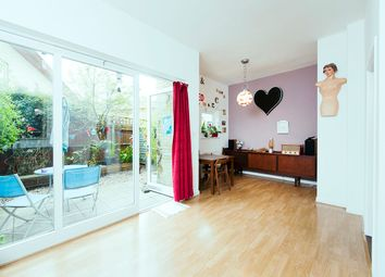 Thumbnail 3 bed flat for sale in Roman Way, Islington