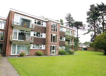 Thumbnail 2 bed flat to rent in Warham Road, South Croydon