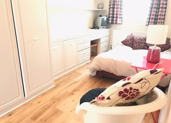 Thumbnail 1 bed flat to rent in Niagara Avenue, London