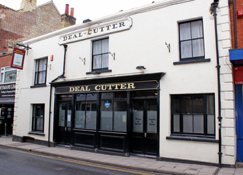 Thumbnail Pub/bar for sale in Kent - Town Centre Pub CT11, Kent