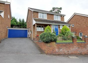 Thumbnail 4 bed link-detached house for sale in Lakeside, Bracknell