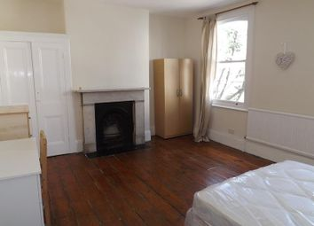 Thumbnail 5 bed flat to rent in Wedmore Gardens, Holloway
