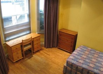 Room to rent in Hogarth Road, London SW5