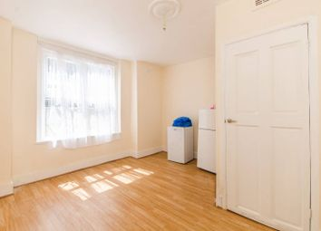 Thumbnail 1 bed flat for sale in Cressingham Road, Lewisham