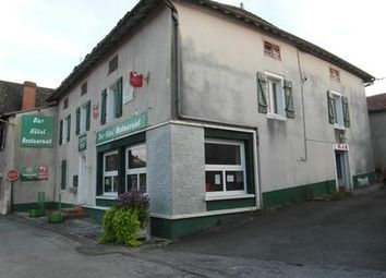 Thumbnail Pub/bar for sale in Mezieres-Sur-Issoire, Haute-Vienne, France