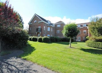Thumbnail 3 bed flat for sale in Benningfield Gardens, Berkhamsted