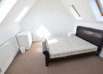 Thumbnail 1 bed flat to rent in Pottery Road, Reading, Berkshire