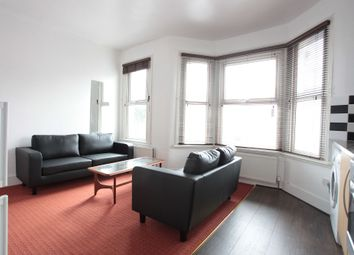 Thumbnail 2 bed flat to rent in Park Avenue, Mitcham