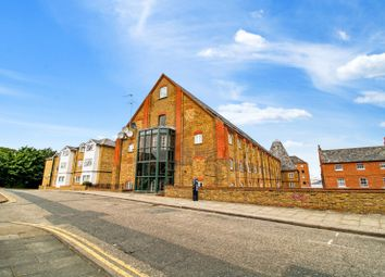 1 bed flat to rent in The Maltings, Clifton Road, Gravesend, Kent DA11
