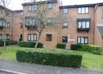 Thumbnail 2 bedroom flat to rent in King Georges Avenue, Watford