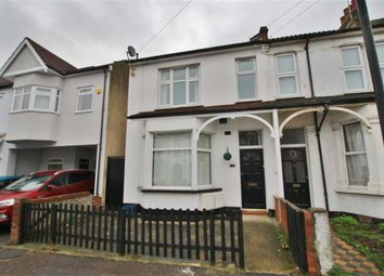 Thumbnail 1 bed flat to rent in Oakleigh Park Drive, Leigh On Sea, Essex