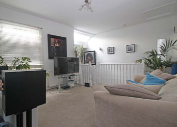 Thumbnail 2 bed flat to rent in Church Lane, East Finchley