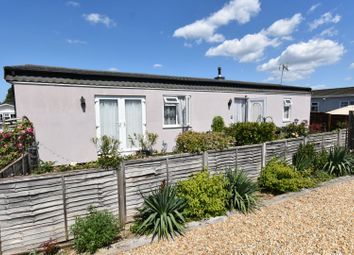 Middleview Drive, Guildford GU3. 2 bed mobile/park home