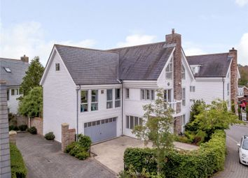 Beachamwell Drive, Kings Hill, West Malling, Kent ME19. 3 bed detached house