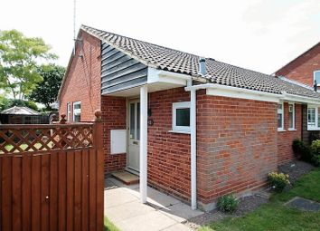 Thumbnail 2 bed bungalow to rent in Brownlow Avenue, Edlesborough, Dunstable