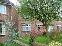 Thumbnail 2 bed town house to rent in New Park Vale, Farsley