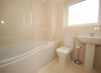 Thumbnail 2 bed flat to rent in Hempstead Road, Uckfield