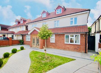 Thumbnail 5 bed detached house to rent in Wellesley Avenue, Richings Park, Buckinghamshire