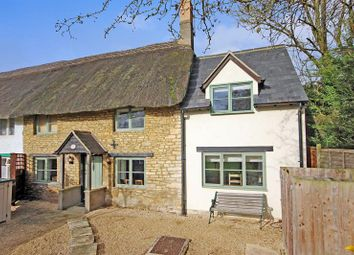 Thumbnail 2 bedroom cottage for sale in Rack End, Standlake, Witney