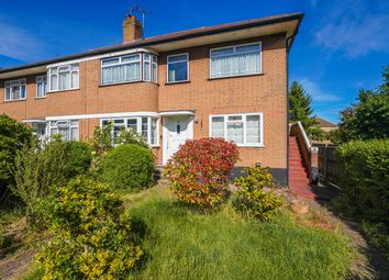 Thumbnail 2 bed flat for sale in Cavendish Avenue, Ealing