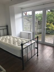 Thumbnail Room to rent in Waterside, Peartree Bridge, Milton Keynes, Buckinghamshire