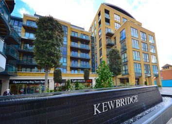 Thumbnail 3 bed flat to rent in Strand House, Kew Bridge, Middlesex