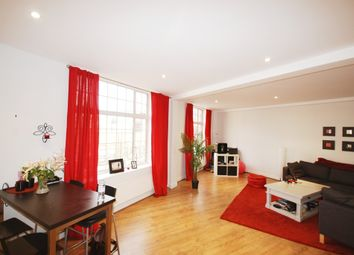 Thumbnail Flat to rent in Liverpool Road, Angel, London