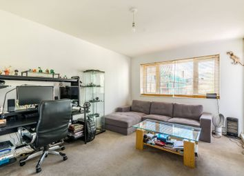 Thumbnail 1 bed flat to rent in Long Lane, Borough