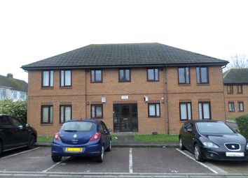 Thumbnail 1 bed flat to rent in Cavalier Close, Luton