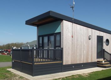 Thumbnail 1 bed mobile/park home for sale in New Hive Holiday Home, South Shore Holiday Village, Bridlington