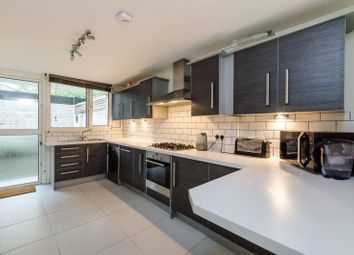 3 bed maisonette to rent in Finborough Road, Chelsea, London SW10