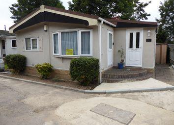2 bed mobile/park home for sale in Lydiaville Park, Bearwood Path, Winnersh, Wokingham, Berkshire RG41