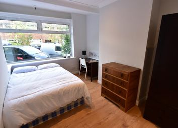 Thumbnail 4 bedroom shared accommodation to rent in Cliff Side Gardens, Headingley, Leeds