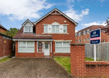 Thumbnail 4 bedroom detached house for sale in Langdon Road, Bromley