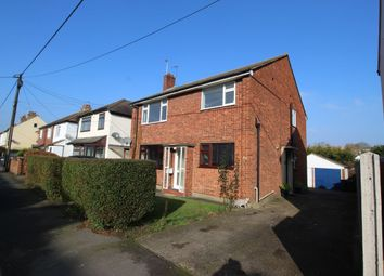 Thumbnail 2 bed flat to rent in Essex Road, Longfield