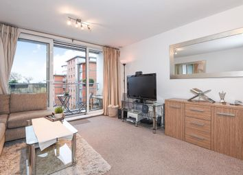 Thumbnail 1 bed flat to rent in Brentford, London