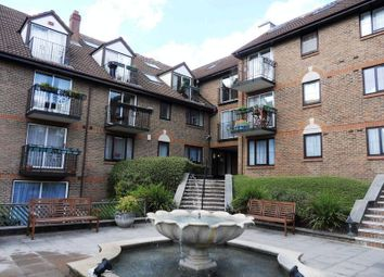 Thumbnail 2 bedroom flat to rent in Lansdowne Road, Purley