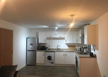 2 bed flat to rent in Elmira Way, Salford Quays M5