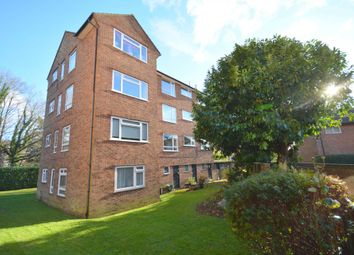 Thumbnail 3 bed flat for sale in Plantation Road, Amersham