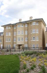Thumbnail 2 bedroom flat to rent in St. Matthews Gardens, Cambridge