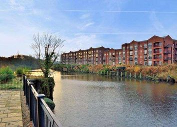 2 bed flat to rent in Emperor Court, Warrington WA4