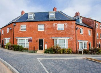 Thumbnail 5 bed terraced house for sale in Needlepin Way, Buckingham